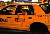Пьяная жительница Салехарда разнесла машину такси