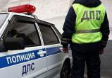 В Ноябрьске пьяница побил полицейского прямо в служебном автомобиле (ВИДЕО)