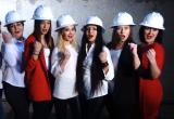 Сотрудницы новоуренгойской фирмы поздравили своих коллег, перепев популярный хит (ВИДЕО)