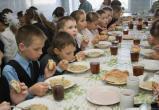 Школьников Надыма кормили с грубыми нарушениями