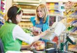 Жительница Краснодарского края вводила новоуренгойских продавцов в заблуждение крупной купюрой: и банкноту и сдачу она оставляла себе