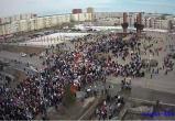 «Бессмертный полк» и «Фронтовые бригады»: празднование Дня Победы в Новом Уренгое перенеслось на Площадь Памяти (ФОТО, ВИДЕО)