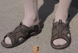 А наши мужчины все знали: носки под сандалии стали модным трендом (ОПРОС)