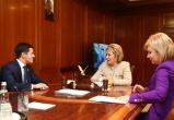 Дмитрий Артюхов провел рабочую встречу с Валентиной Матвиенко