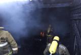 В Тазовском горел гараж с горючим и газовыми баллонами внутри: есть пострадавший (ФОТО)
