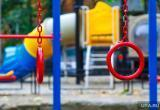 В Тарко-Сале нашли опасную детскую площадку (ФОТО)