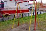 В Салехарде вандалы испортили детскую площадку (ФОТО)