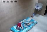 День второй: герой проекта «Долгая ночь» держится без гаджетов и предпочитает спать (ФОТО)