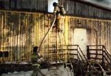 В Муравленко сгорело расселенное деревянное общежитие (ФОТО)