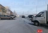 В Новом Уренгое на дороге столкнулись три автомобиля (ФОТО, ВИДЕО)