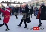 Дети из ансамбля «Каблучок» из Нового Уренгоя станцевали на вокзале (ФОТО, ВИДЕО)