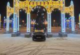 В Новом Уренгое мужчина, нарушив ПДД, устроил фотосессию BMW (ФОТО)