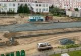 В Новом Уренгое строят клумбу в форме длинного пениса с большой головкой (ФОТО, ОПРОС)